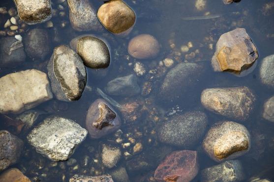 rocks-2705707_960_720.jpg